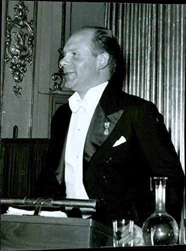 vintage-photo-of-marc-blancpain-alliance-francaise-lecture