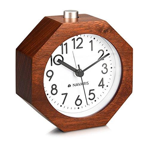 Navaris sveglia analogica da comodino in legno - orologio da tavolo con snooze - sveglia stile retro vintage silenziosa in legno scuro - ottagono