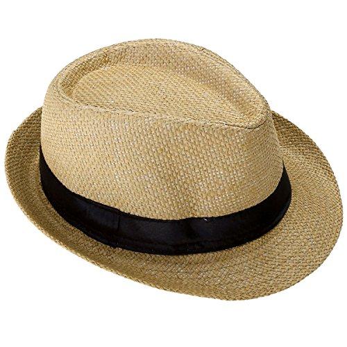 Le chapeau tricoté avec un arc