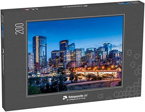 Puzzle 200 Teile Calgary Skyline bei Nacht mit Bow River und Centre Street Bridge - Klassische Puzzle mit Edler Motiv-Schachtel, Fotopuzzle-Kollektion 'Kanada'