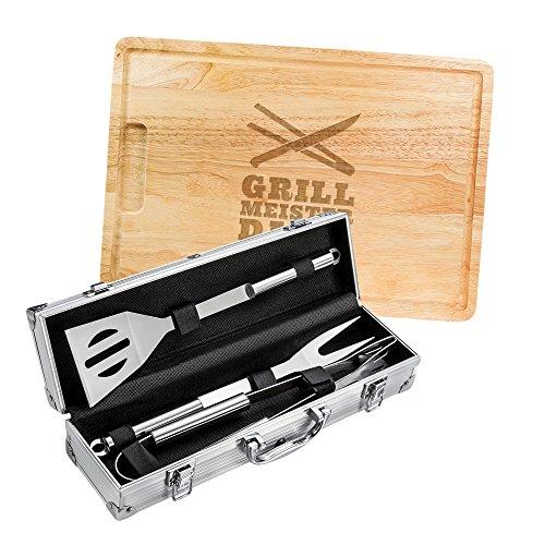 AMAVEL 2er Grillset - Grillbesteck in Edelstahl-Koffer - Schneidebrett aus Holz - Grillmeister Grillbesteck - Personalisiert mit [Namen] - Grillzange - Geschenke für Männer - Vatertagsgeschenke