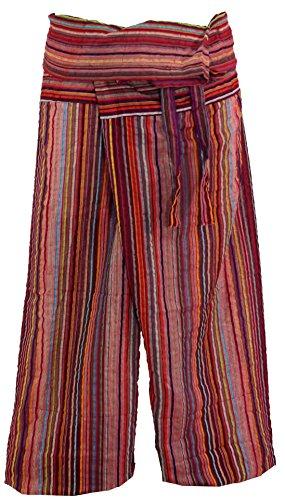 Bequeme und sehr schön bunt gestreifte Thai-Fischerhose/Yogahose aus Baumwolle, die durch ihre Wickeltechnik für einen Taillenumfang von 80 - 120 cm geeignet ist. Bei einer Körpergröße von 175 cm reicht diese Hose etwa bis zum Knöchel. Traditionell w...