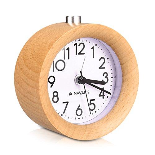 Navaris Reloj Despertador analógico - Alarma Despertador con luz y Sonido - Reloj Retro de Madera Natural...