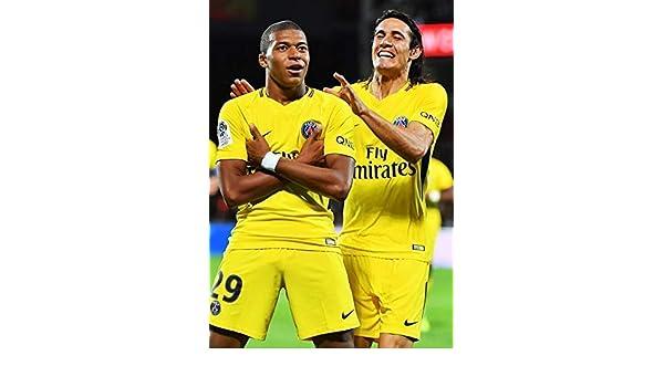 A3 G/én/érique Empire Merchandising 11273 Poster de Football MBAPPE et CAVARNI PSG Paris Saint Germain