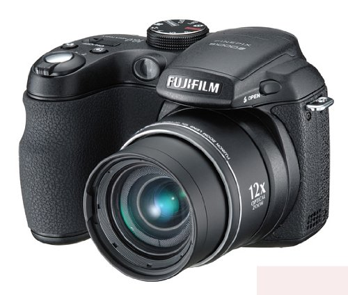 FujiFilm FinePix S1000fd Digitalkamera (10 Megapixel, 12-fach opt. Zoom, 6,9 cm (2,7 Zoll) Display) schwarz