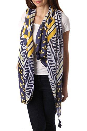 Ein Halstuch Tuch mit Federmotiv in verschiedenen Farben Ferdern blau rose gelb