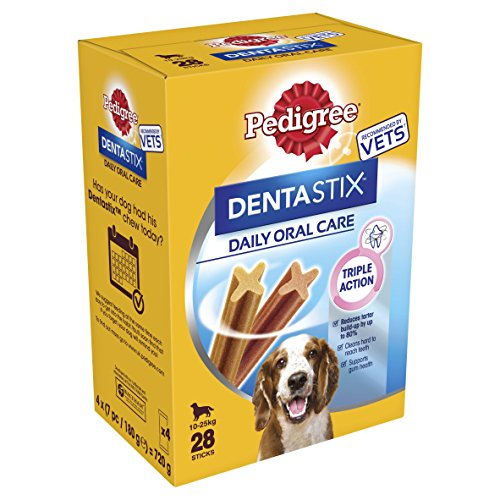 Pedigree DentaStix Daily Oral Care Medium Dog Dental Chews, 4 x 180 g (720 g)