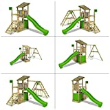 FATMOOSE Klettergerüst FruityForest Fun XXL Spielturm Kletterturm auf 3 Ebenen im Hochsitz-Style mit schrägem Holzdach, Schaukel mit 2 Sitzen, Rutsche und viel Zubehör -