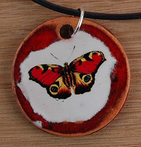 Echtes Kunsthandwerk: Hübscher Keramik Anhänger mit einem Schmetterling; Insekt, Frühling, Sommer, Raupe, Nimmersatt, Metamorphose, Blüte, Blume