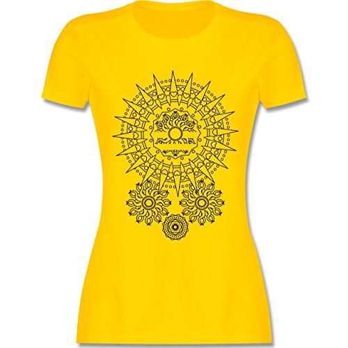 Boheme Look - Boho Mandala Yoga - tailliertes Premium T-Shirt mit Rundhalsausschnitt für Damen Gelb