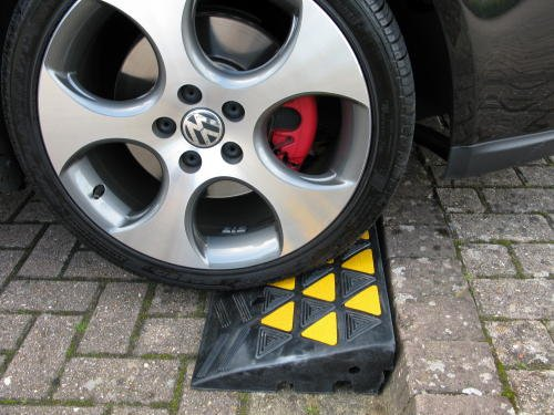 rubber-kerb-ramp-trp1m-pair-100mm