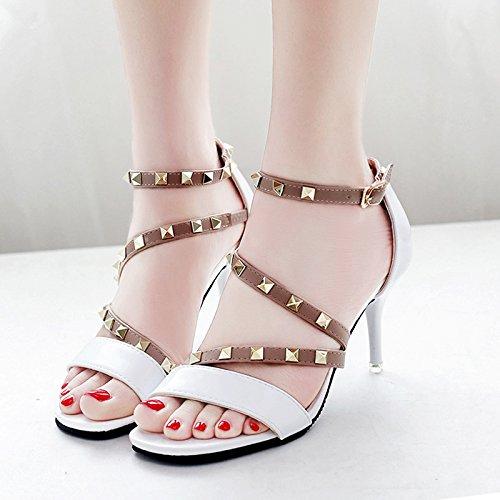 XY&GK Frau Sommer Leder Sandalen Sommer Fein mit High Heels Fashion Style Niet All-Match Frauen Sandalen, komfortabel und schön 35 white