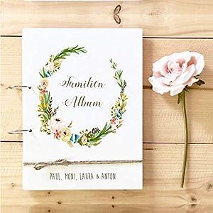 Familien Album aus Holz mit Namen u. Blumenkranz