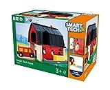 BRIO World 33936 Smart Tech Bauernhof – Spiel-Bauernhof mit Tieren & Heuwagen-Anhänger als Eisenbahnzubehör – Interaktives Spielzeug empfohlen ab 3 Jahren