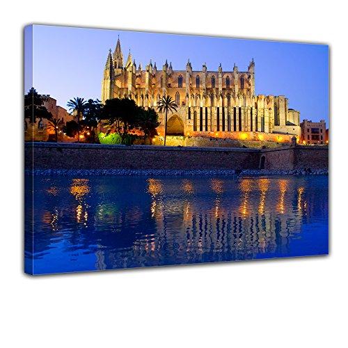 Wandbild - Cathedral of Palma de Mallorca - Spanien - Bild auf Leinwand - 80x60 cm - Leinwandbilder - Städte & Kulturen - Mittelmeer - Kathedrale - La Seu am Abend