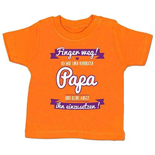 Shirtracer Sprüche Baby - Ich Habe Einen Verrückten Papa Lila - 3-6 Monate - Orange - BZ02 - Babyshirt Kurzarm (Tun Daddy Ich)