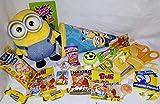Geschenkpost24 101625 Mini Schultüte 22cm Minion gefüllt mit Minion Plüsch Blindbag in Zuckertüte verpackt
