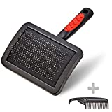 VITAZOO Premium Pet Brush plus comb for tangle free gentle dog and cat grooming, to get a salon smooth result at home suitable for all breeds | 2 year satisfaction guarantee | de-shedding tool for large and small animals, professional slicker brush for matted hair suitable on all fur types