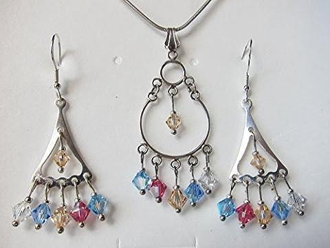 swarovski set. Silber mit Kristallen Swarovskis. Ohrringe aus Silber. Silber Halskette