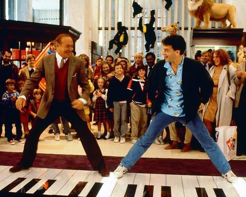 Moviestore Tom Hanks als Josh unt Robert Loggia als MacMillan in Big 25x20cm Farbfoto