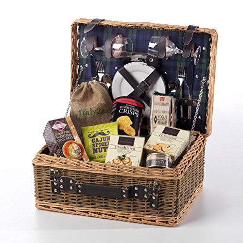picnic-nibbles-for-two-in-a-luxury-fitted-wicker-hamper-free-uk-delivery