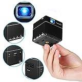 ExquizOn S6 - Mini DLP Beamer Tragbar Taschenprojektor Video 1080P WiFi Wiederaufladbar Lautsprecher inkl. Stativ HDMI für Smartphone PC Heimkino Familien Sitzung Ausbildung (Schwarz)