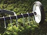 Greenkey Lawn Scarifying Thatch Rake with Telescopic Handle - Perfect for removing moss and thatch from your lawn