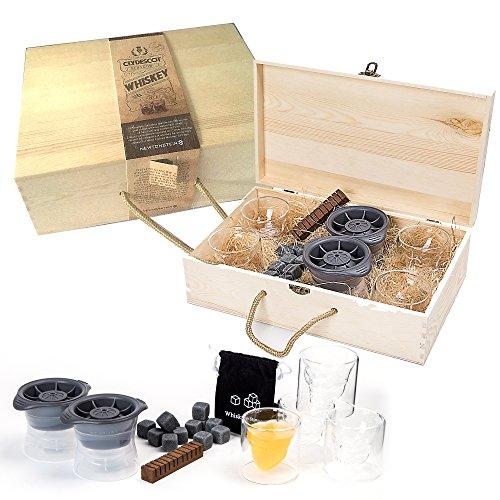 Clydescot GLASGOW - Set de 21 piezas para Whisky - 12 cubos de granito que enfrían sin diluir + 4 vasos de calaveras de 75 ml + 2 moldes para fabricar bolas de hielo gigantes + 2 palos de roble ahumado saborizante + caja de regalo de madera hecha a mano.