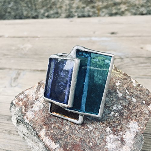 Handmade band ring, made by hand using the technique of glass-tin mosaic, set with glass mosaic with three variations of turquoise tones.