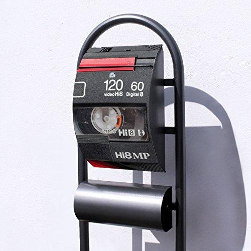 banjado – Design Stand Briefkasten mit Zeitungsrolle Metall schwarz 44x150x14cm mit Motiv Video Kassette - 5