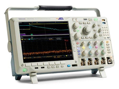 Tektronix MDO4104C Mixed-Oszilloskop, 4 analoge Kanäle, 20 m Aufnahmelänge, 1 GHz
