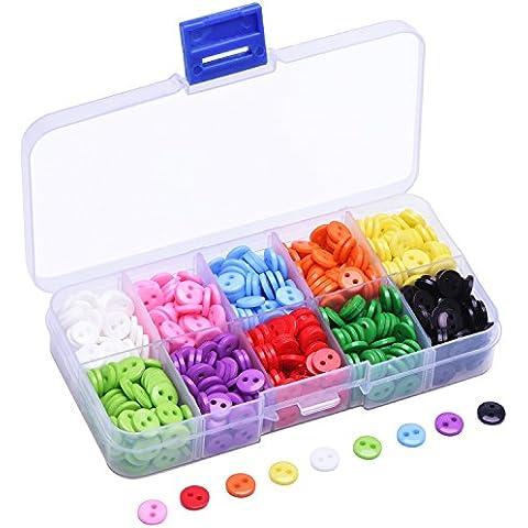 Shappy 0.35 Pollice (9 mm) Bottoni in Resina Rotondi da Cucire Piatto Posteriore Bottone in 10 Colori Caramella con Scatola di Plastica, 750 Pezzi - Piccole Scatole Decorative
