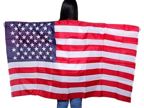 Un poncho qui représente le drapeau Un accessoire de déguisement original pour les supporters de matchs sportifs.D'une grande visibilité, il est idéal pour se faire remarquer depuis les tribunes.Drapé avec manches à enfiler.les couleu, choisir:UF-11 USA