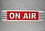 Plaque en métal on Air Station d'émission de Radio Diffusion en Direct Actualités radiodiffusion télévision Journalisme Porte Vintage Réplique Man Cave Garage Murale...