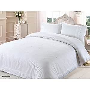 Chateau de belle maison victoria broderie anglaise quilt for Baltic linen maison 8 pc comforter set