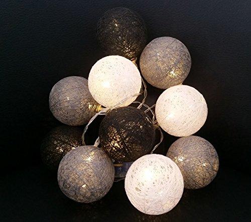 LED Lichterkette mit 10 Baumwollkugeln - Batteriebetrieben - Leuchtfarbe: warmweiß