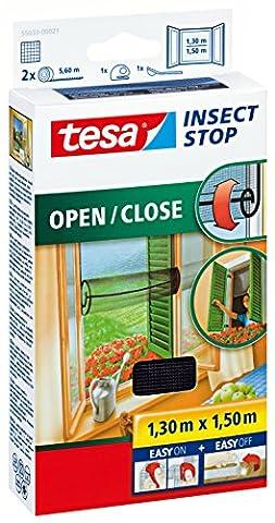 tesa Insect Stop Fliegengitter zum Öffnen und Schließen / Flexibles Insektennetz für Fenster mit selbstklebendem Klettband / 130 cm x 150