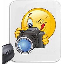 """Mousepad (Mauspad) """"SMILEY BEIM FOTOGRAFIEREN MIT FOTOAPPARAT """" SMILEYS SMILIES ANDROID IPHONE EMOTICONS IOS GRINSE GESICHT EMOTICON APP"""" für ihren Laptop, Notebook oder Internet PC .. (mit Windows Linux usw.) in Weiß"""