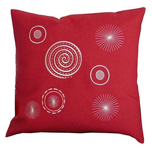 Laura S Rote Leinenoptik in modernem Design gesticktem Motiv. Mitteldecke, Tischläufer und Kissenbezüge erhältlich. Ausgewählte Größe jetzt:(Kissenbezug ca. 50cm x 50cm)