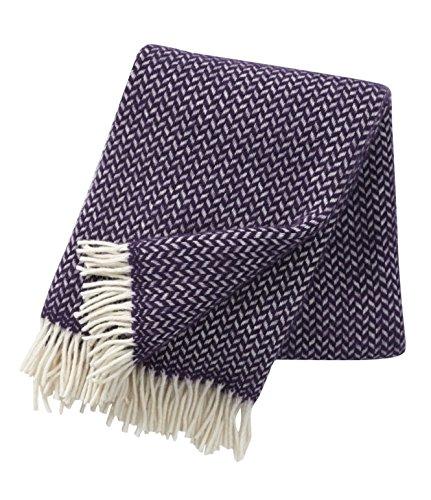 Klippan: Wolldecke mit violetten und cremefarbenen Zickzackstreifen 130x200cm aus Lambswool, ca 800 g
