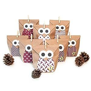 Calendrier de l'Avent Pajoma à fabriquer soi-même, avec 24chouettes rouges de Noël en papier Kraft à garnir, avec autocollants