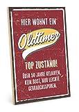 TypeStoff Holzschild mit Spruch – Oldtimer – im Vintage-Look mit Zitat als Geschenk und Dekoration zum Thema Geburtstag, 50ster und Jubiläum (19,5 x 28,2 cm)