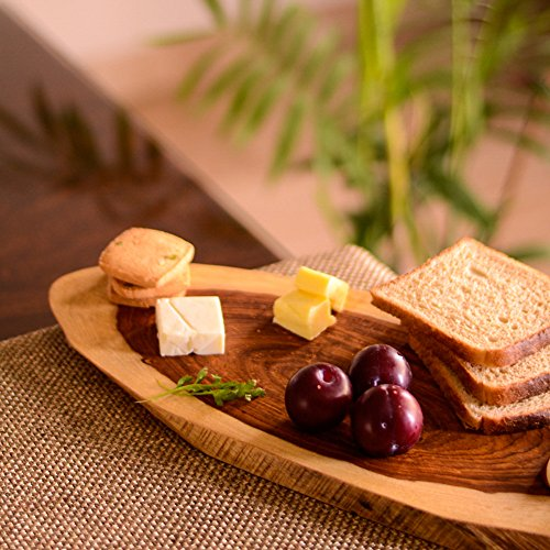 ExclusiveLane Oval Cheese Or Bread Board Sliced From Wooden Log- Home and Kitchen / Home Items / Kitchen
