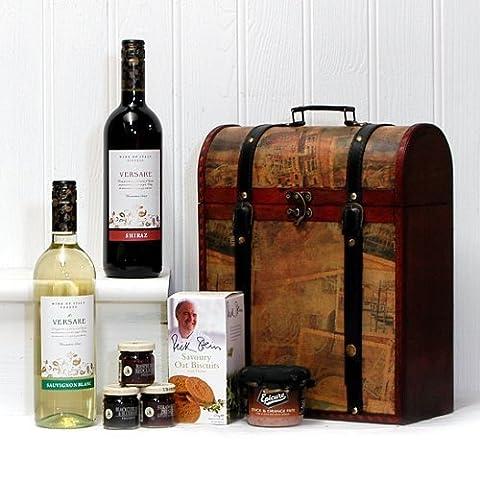 La boîte à vin en bois Vintage Clarendon Deluxe avec 2 x 750ml vins Versare (Sauvignon et Shiraz) et la nourriture Gourmet - Le cadeau parfait pour les anniversaires, les départs à la retraite, en guise de remerciement