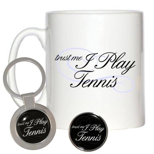 Trust Me I Play Tennis 10oz Tasse, Metall Button Pin Pins Anstecker & grobem Schlüsselanhänger Schlüsselband Keyholder (Wimbledon-pin)
