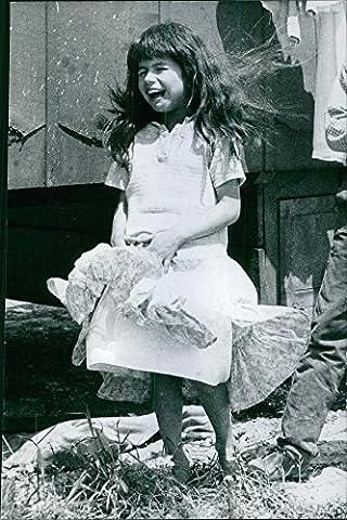 Vintage Photo de 1962une photo d'une petite fille dans le film, Kriss Romani rieur.