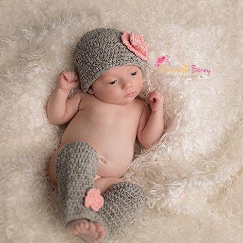 Set bonnet boule et jambières au crochet 0/6 mois