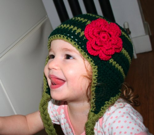 Green Knit Beanie Cap (Crochet pattern green earflap hat with pink flower includes 4 sizes from newborn to adult (Crochet hats Book 1) (English Edition))