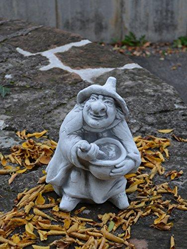 Lustige Hexe mit Kochtopf aus Steinguss, frostfest - 5