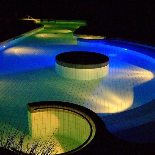 LED Schwimmbad Poolbeleuchtung Lampe PAR56 Strahler Scheinwerfer RGB FB 558 LEDs Highpower LED für Pool Teich usw... von Navi-NEC